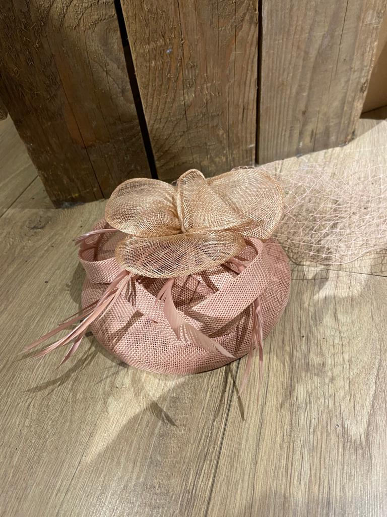 oud roze hoofdband hoed